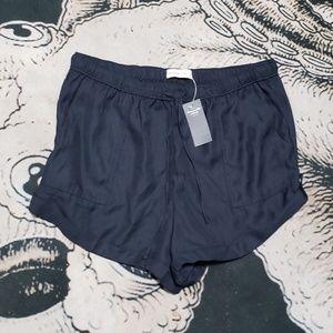 Abercrombie fitch black pocket cloth shorts L